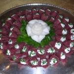 Piatto bresaola con una rosa